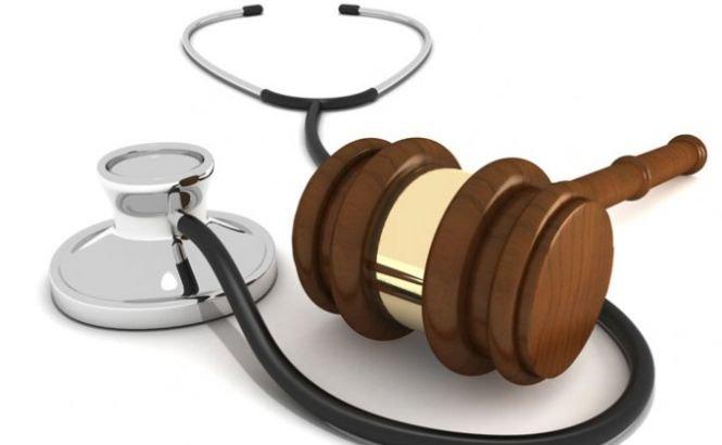 Pedepse puţine pentru medici. Din 200 de reclamaţii de malpraxis, sunt sancţionaţi doi doctori