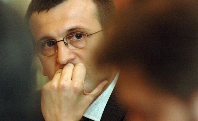 """Cristian Preda: """"Grupul intelectualilor"""" va depune o moţiune pentru şefia PDL"""