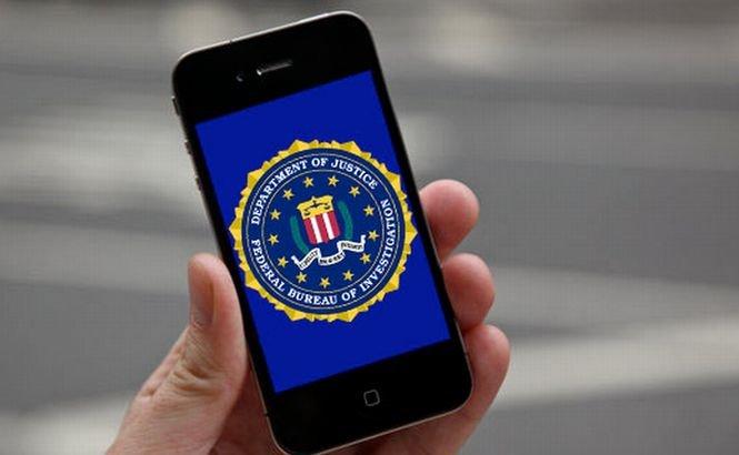 """Obscenităţi la FBI. """"Când ţi se dă un telefon de serviciu, nu te apuci să trimiţi poze nud cu tine"""""""