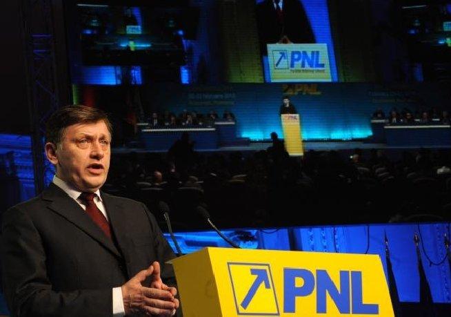 Antonescu: Dacă nu voi câştiga alegerile prezidenţiale, mă voi retrage din conducerea PNL