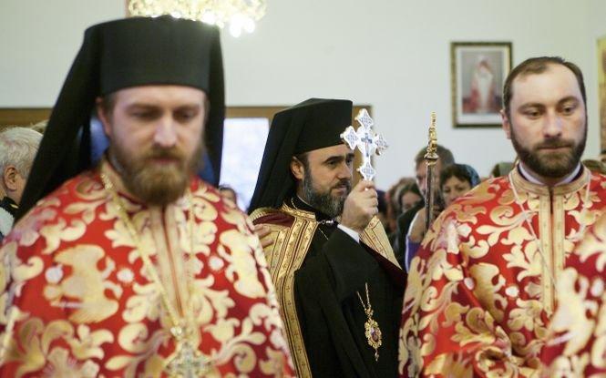 Preoţii s-au închinat când au auzit asta. Încrederea românilor în Biserică a scăzut dramatic în ultimul an