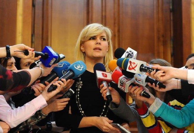 Udrea: Îi urez Elenei Băsescu să aibă o sarcină uşoară. Şi să ne cheme şi pe noi la botez