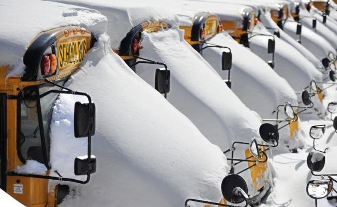Stare de urgenţă în SUA. Oraşul american Manchester se confruntă cu cea mai puternică furtună de zăpadă din acest sezon