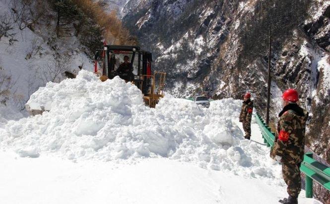 Stare de urgenţă în SUA, din cauza ninsorilor. Stratul de zăpadă are 47 cm, aproape de recordul absolut