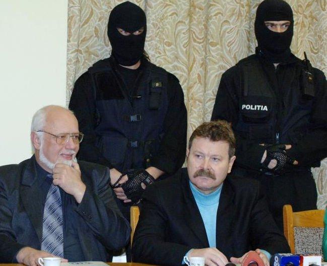 Preşedintele OADO Florentin Scaleţchi, condamnat la 6 ani de închisoare, prins de poliţişti în Sectorul 2