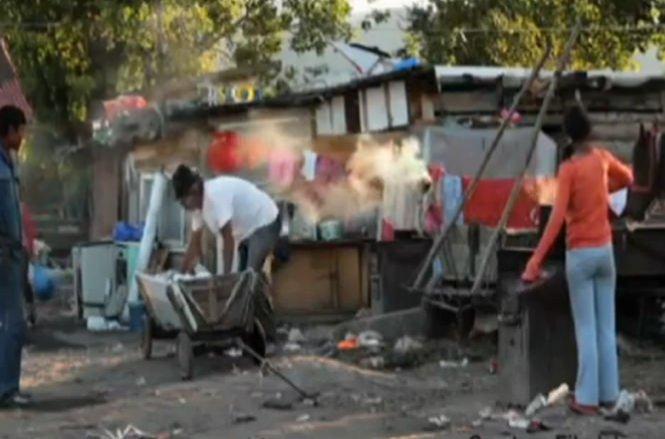Daily Mail, despre ghetoul romilor din Baia Mare: Nu e de mirare că mulţi români vor să se mute în Marea Britanie
