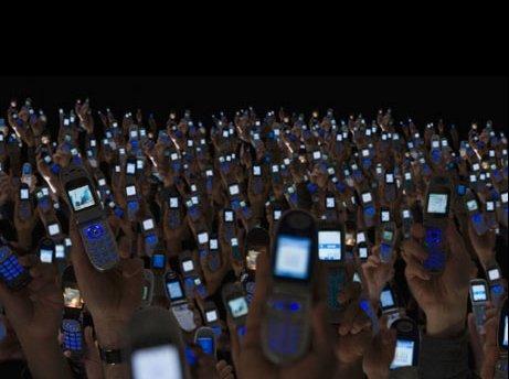 UIT: Tot atâtea telefoane mobile câţi locuitori ai planetei, până în 2014