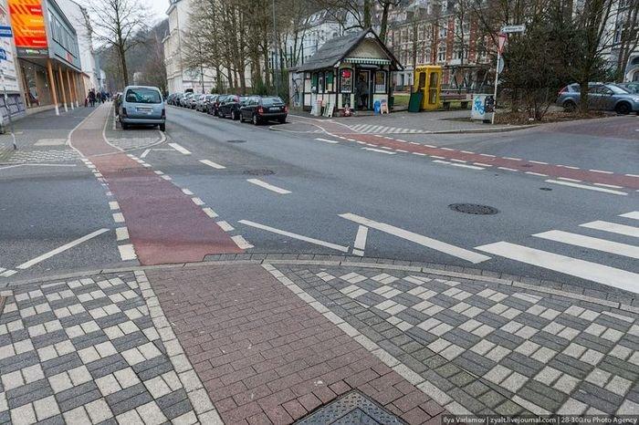 cum arat� drumurile trotuarele şi mijloacele de transport