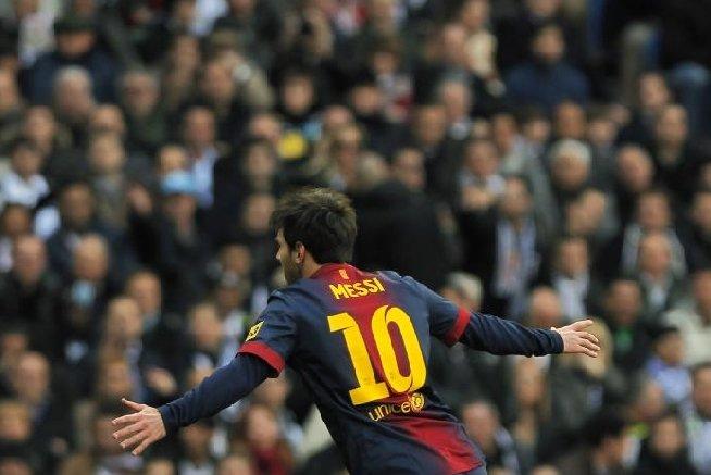 Lionel Messi doboară record după record