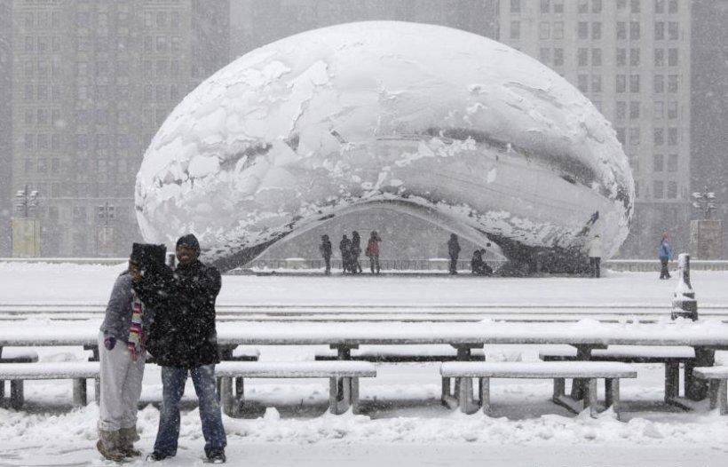 O puternică furtună de zăpadă îşi croieşte drum spre Washington. Peste 2.600 de zboruri au fost anulate