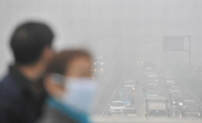 China, sufocată de poluare. O furtună de nisip a mărit de 12 ori indexul de poluare aeriană