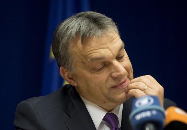 Guvernul ungar premiază extremiştii de dreapta