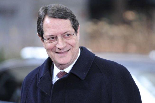 Preşedintele Ciprului: Am acceptat măsurile, după ce BCE a ameninţat că va împinge statul în default