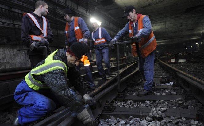 Fenechiu promite constructorilor de la metrou 400 milioane lei