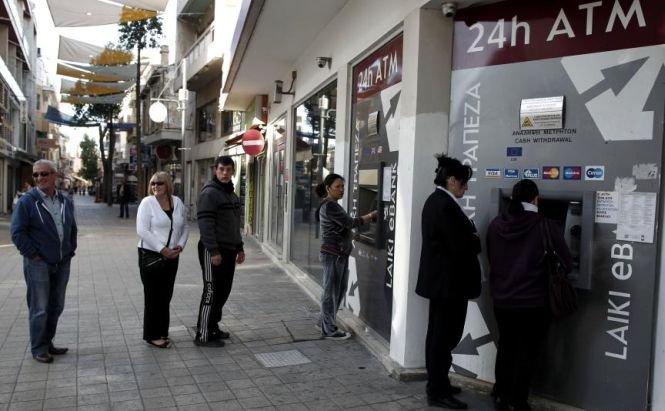 Băncile din Cipru rămân închise până marţi. Reuniune de urgenţă la Guvern
