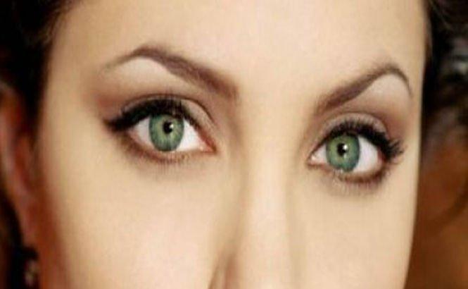 Vezi care este vârsta la care frumuseţea femeilor atinge cote maxime