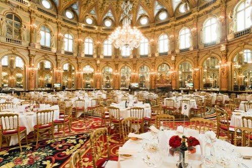 O noapte de cazare la un hotel din Paris - 585.000 de dolari