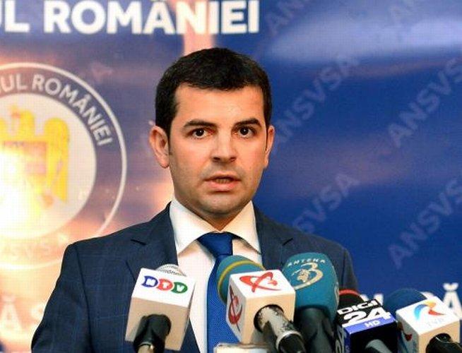 Daniel Constantin: Preşedintele refuză să înţeleagă că este preşedintele tuturor românilor, nu doar al Elenei Udrea