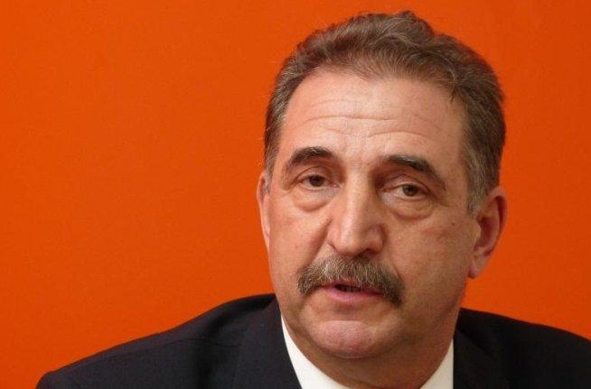Gabriel Surdu: Spontaneităţile preşedintelui nu mai miră pe nimeni. Poate a spus totul la nervi