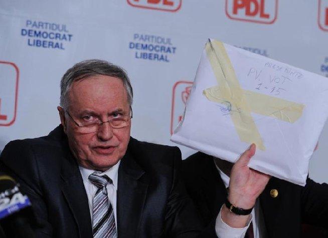 Mircea Toader: Diferenţa de voturi între Blaga şi Udrea este de exact 330 de voturi