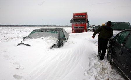 CNADNR ia în calcul închiderea unor drumuri mai puţin circulate din zonele cu cod portocaliu