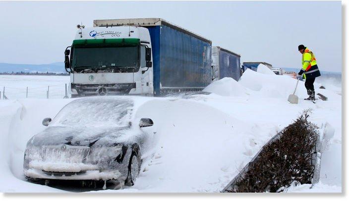 MAE: Cod portocaliu de ninsoare în Ungaria şi Croaţia; Căderi de zăpadă şi vânt puternic în Slovenia