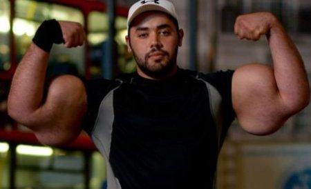 Bărbatul care ar putea ridica un urs: Muşchii mei sunt mai mari decât ai lui Popeye Marinarul