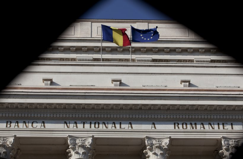 Bloomberg: Investitorii şi analiştii sprijină cererea României de îmbunătăţire a ratingului suveran