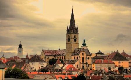"""""""Este greu să nu te laşi cucerit de farmecul lui"""". Sibiul a fost ales cel mai bun oraş de vizitat în 2013"""