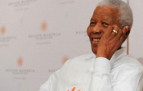 Nelson Mandela a fost externat. Fostul preşedinte sud-african va fi îngrijit la domiciliu