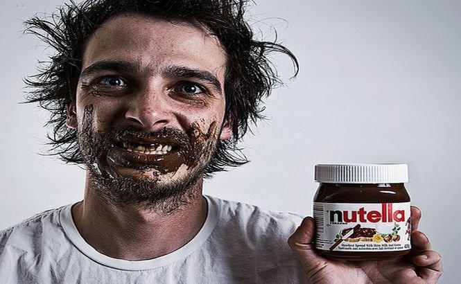 Hoţi cu lipici la ciocolată. Au SPART un tir plin cu Nutella