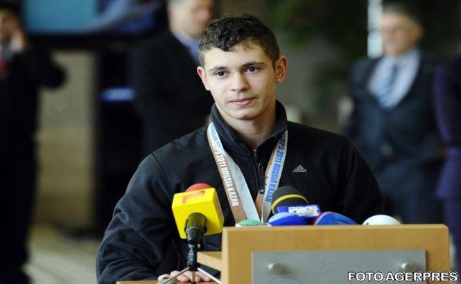 CE de haltere: Florin Ionuţ Croitoru a câştigat medalia de argint la stilul smuls, la categoria 62 kg