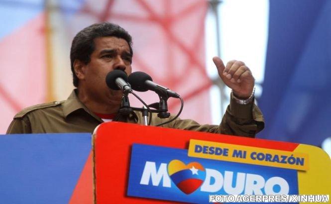 Venezuela îşi închide frontierele înaintea alegerilor prezidenţiale, după ce a denunţat un complot american împotriva lui Maduro