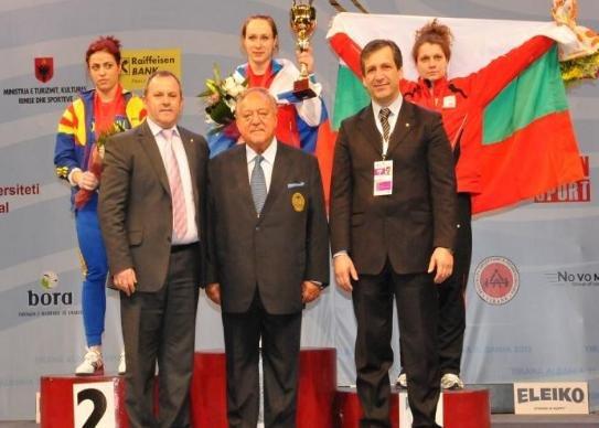 CE de haltere: Irina Lepşa a câştigat trei medalii, una de argint şi două de bronz, la categoria 63 kg