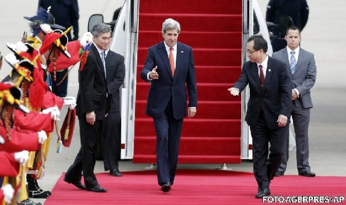 Secretarul de stat american John Kerry a sosit la Seul, prima etapă a turneului asiatic