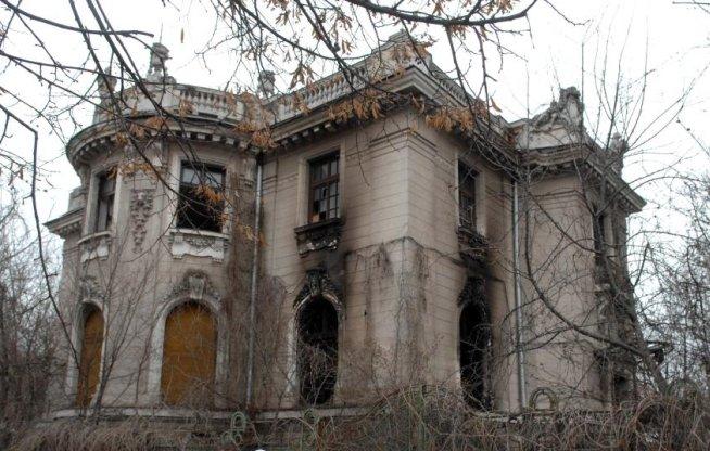 Consiliul Legislativ avertizează: Samsarii imobiliari vor obţine compensări mai mari decât valoarea imobilului