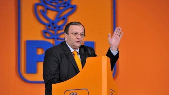 Gheorghe Flutur: Ponta este mult mai preocupat de războiul intern din USL decât de soarta românilor