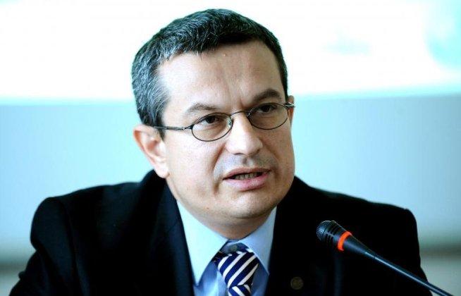 Preşedintele CNCD: Nu am fost sesizaţi în legătură cu afirmaţiile lui Puiu Haşotti, astfel că nu le pot comenta