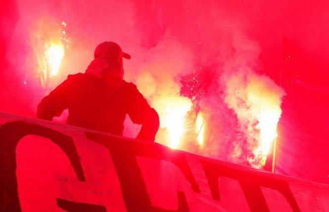 Rapid şi Steaua au remizat cu scor 1-1, într-un meci marcat de incidente, şi la început, şi la final