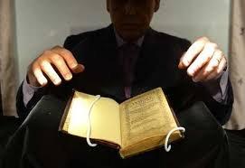Prima carte tipărită în America, scoasă la licitaţie. La cât este evaluat exemplarul, care datează din 1640