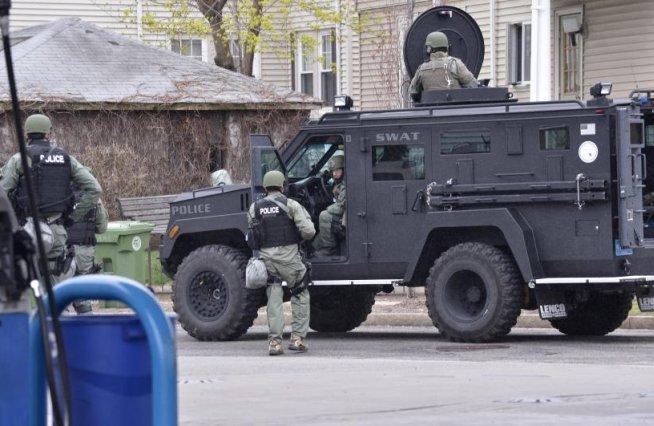 Părinţii suspecţilor din atentatele de la Boston sunt sceptici: În mod clar este o înscenare
