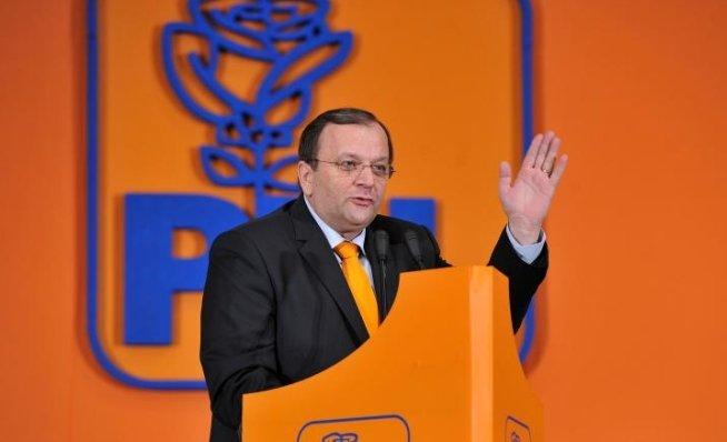 Gheorghe Flutur: USL nu ţine cont de populaţie şi pune în practică regiunile lui Octav Cozmâncă