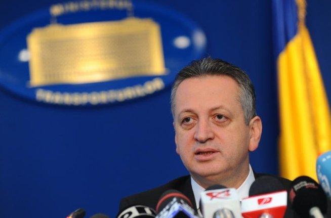 Relu Fenechiu: Fosta conducere a CFR viza disponibilizarea a 6.000 de oameni