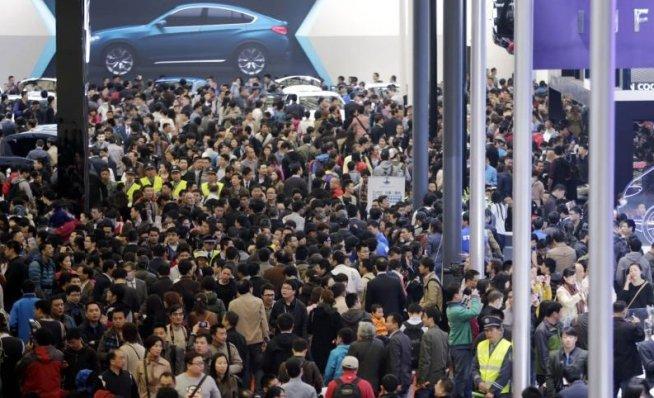 S-a deschis salonul auto de la Shanghai, cel mai mare eveniment de profil din China