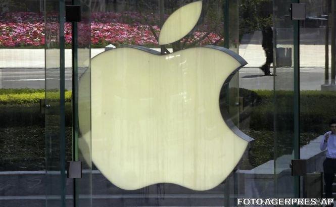 Apple este în căutarea unui nou CEO, după ce acţiunile companiei au scăzut cu aproape 50%