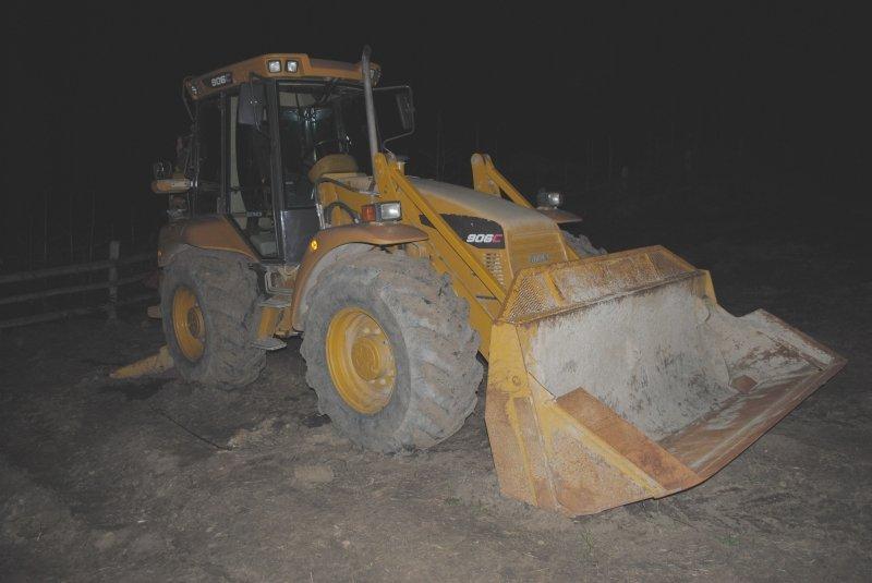 """Dorel a """"operat"""" în Bacău, la volanul unui buldoexcavator"""