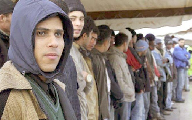 """""""Nu îi vom accepta aici"""". Autorităţile din Canada au blocat intrarea în ţară pentru 100 de romi de origine română"""