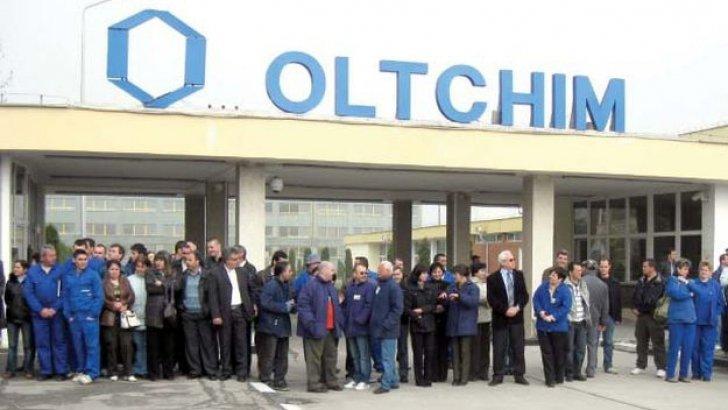 Salariaţii disponibilizaţi de la Oltchim ar putea primi vreme de 2 ani suma de 2000 de lei. Propunerea, discutată azi