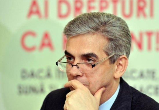 Nicolăescu: Azi am adus Vinblastina, un medicament oncologic care lipseşte de doi ani