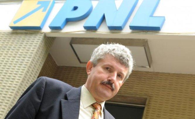 """Primarul din Râmnicu Vâlcea care este acuzat că a luat mită, denunțat de """"regele asfaltului"""" din Banat?"""